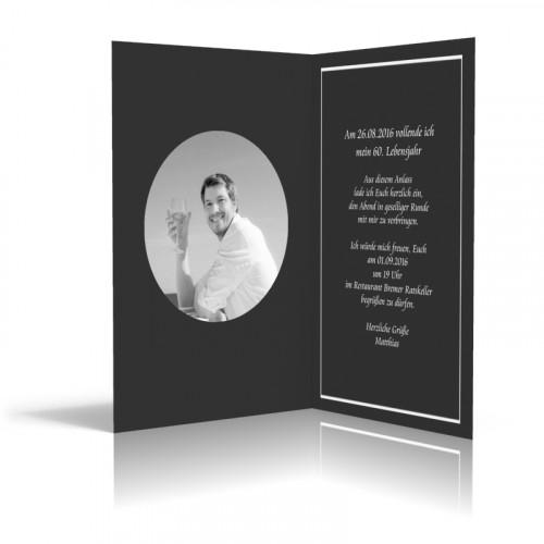 Einladung gestalten Streifen in Schwarz Hochformat